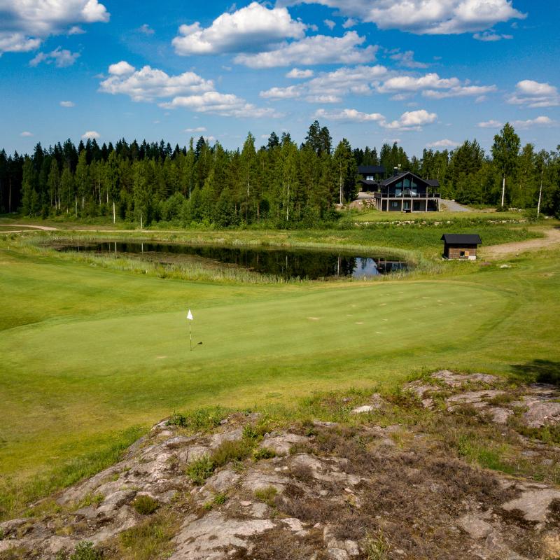 Elämyslomien golfpaketti Himoksella
